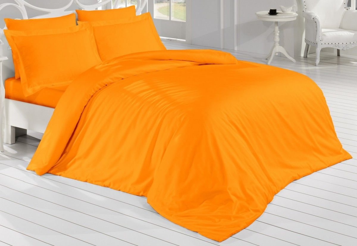 Brotex Oranžové saténové prostěradlo 240x230 plachta bez gumy