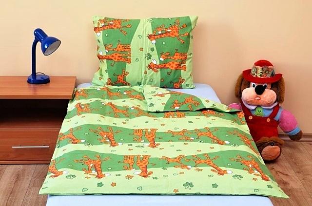 Brotex Písek Povlečení dětské bavlna velká postel Žirafa zelená 140x200 cm, zipový uzávěr